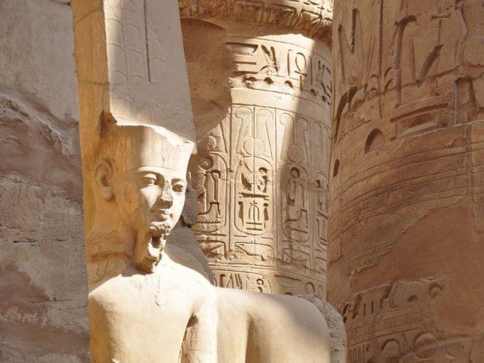Templo no Egito, Faraó