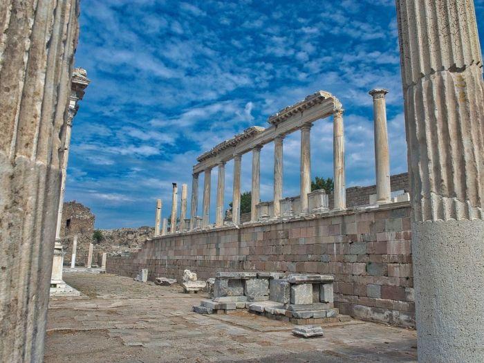 Pérgamo - 7 Igrejas do Apocalipse